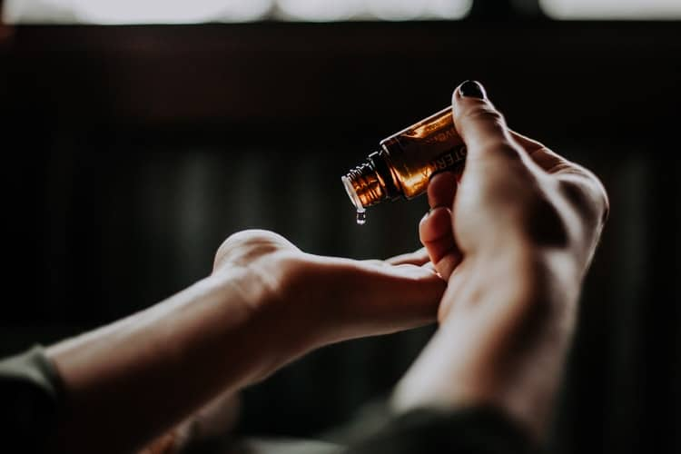 CONTENT TRENDS: Cannabidiol Oil For Natural Beauty & Why It's Here To Stay